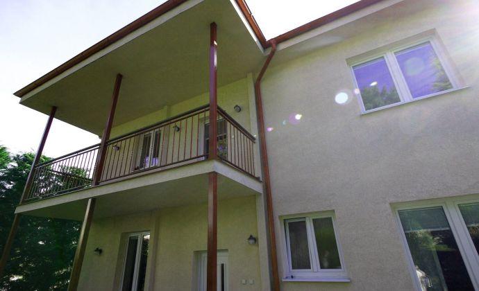 2 samostatne stojace rodinné domy Hradný vrch – Slavín