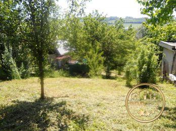 Na predaj záhradka 402m2 v Bánovciach n/B., časť Vinohrady