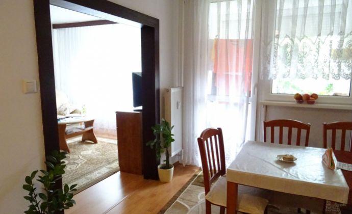 Ponúkame na predaj 3 izbový byt , Senec, Svätoplukova, 61 m2 + loggia, blízo centra mesta, KOMPLETNÁ rekonštrukcia
