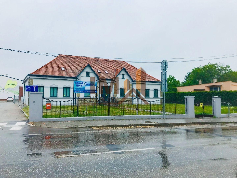 Administratívny objekt-Predaj-Ivanka pri Nitre-500000.00 €
