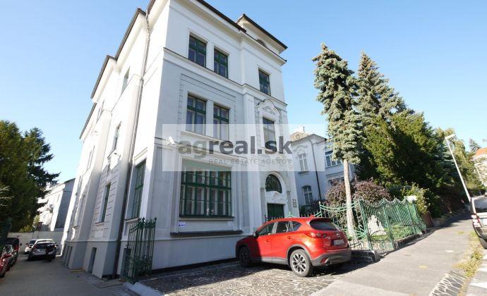 Kancelársky 170 m2 priestor v diplomatickej štvrti Galandova ul.