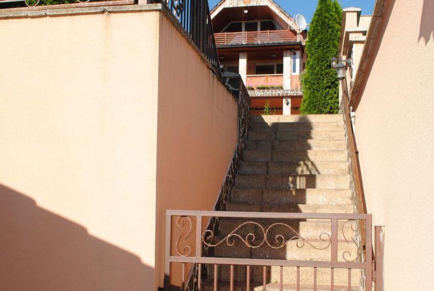 Predaj Rodinné domy Levice-5