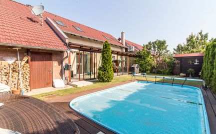 DOM-REALÍT ponúka na predaj skvelý 5izb. rodinný dom s bazénom