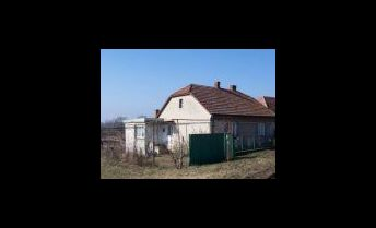 Výhodný predaj rodinného domu v obci Strekov. TOP ponuka.