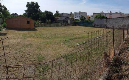 Široký pozemok vhodný na stavbu RD, Hronské Kosihy