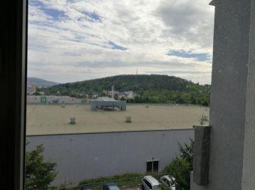 VEĽKOMETRÁŽNÝ 4.izbový byt Novomeského ( 13-114-LUZ )