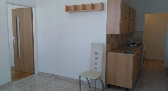 Predaj 2-izbový byt Želiezovce