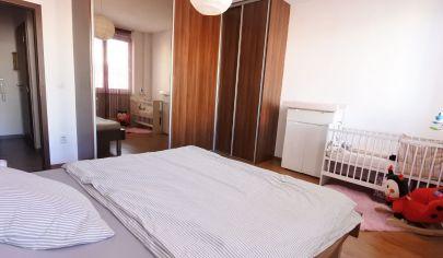 Exkluzívne APEX reality 2i. byt po rekonštrukcii na Železničnej ul., 57 m2, loggia, zariadený