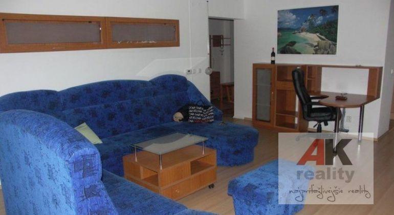 Prenájom 3 izbový byt Bratislava-Vrakuňa, Arménska