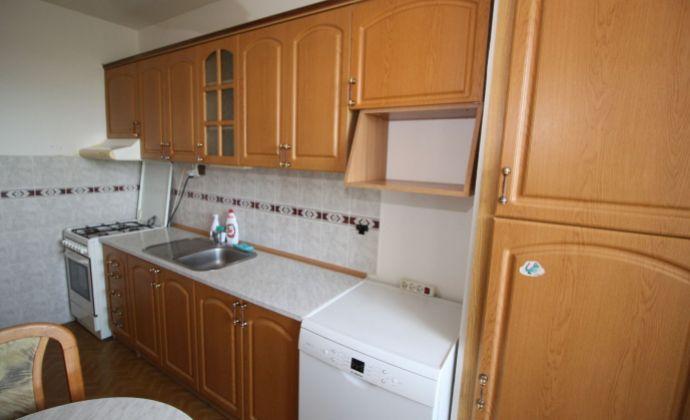 BA II., Vrakuňa, 3-izbový byt na začiatku Rajeckej ulice