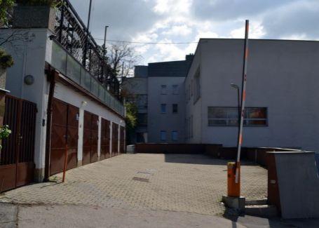 Prenájom celej budovy s výhľadom na Dunaj za top cenu Staré mesto-Bratislava