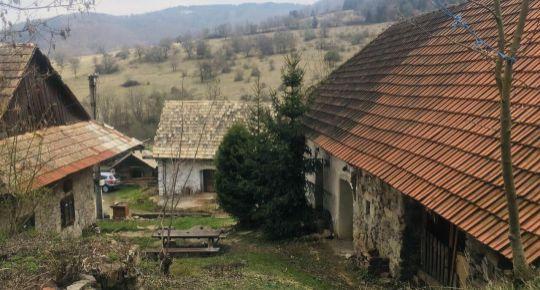 ZNÍŽENÁ CENA, Predaj, vidiecka usadlosť, Slatinské Lazy