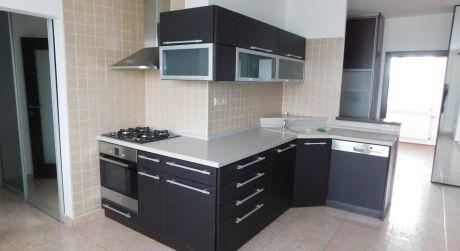 PREDAJ - Kompletne prerobený 3 izbový byt s balkónom na VII. sídlisku v Komárne