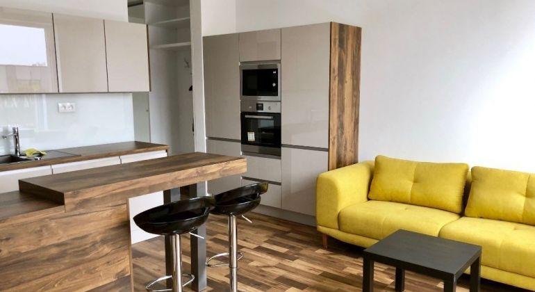 Prenájom 2 izbový byt Bratislava-Petržalka, Zuzany Chalupovej