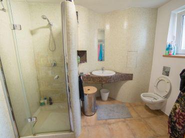 Prenájom 2-izbového veľkometrážneho bytu v centre mesta na Bulvari,  68 m2, 490 € /mesačne