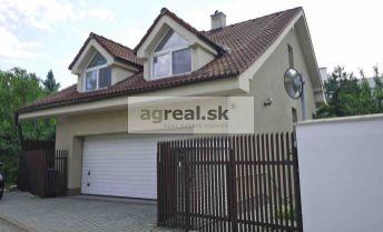 Rodinný dom Mozartova ulica, 7 miestností, 2-garáž, Bratislava - Slávičie údolie.