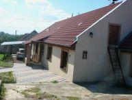 Na predaj 4 izbový rodinný dom, pekný slnečný pozemok o rozlohe 1260m2, obec Bučany