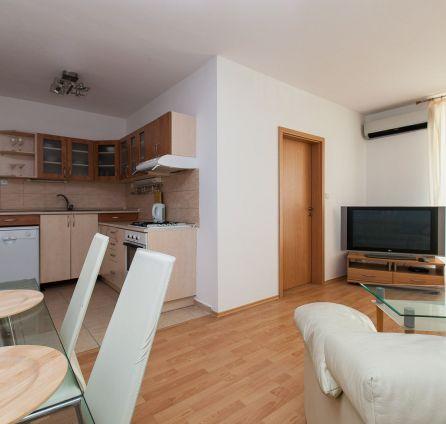 StarBrokers - Bezbariérový 2-izb.byt s veľkou loggiou a klímou (+ garáž.státie), novost. Kresánkova