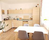 Ponúkame na predaj útulný 2 izbový byt v obci Lehnice