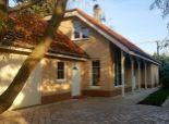 okr. SENEC - NA PREDAJ útulný rodinný dom, s romantickou záhradou v Tomášove