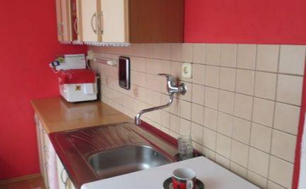 1-izbový byt, Nové Mesto n/V - Dibrovova