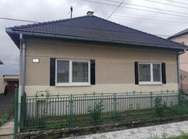 MAXFIN REAL – na predaj rodinný dom vobci Mikušovce okres Lučenec