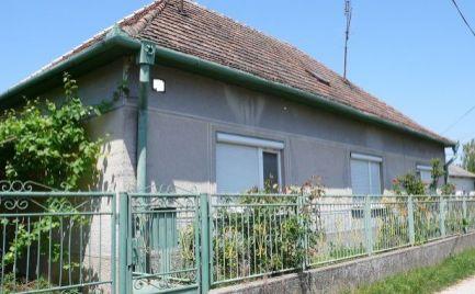 Rodinný dom na predaj v obci Veľké Dvorníky