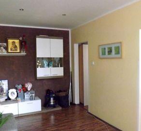 StarBrokers – PREDAJ: 2-i zrekonštruovaný byt 54 m2 - zvýšené prízemie, Exnárova, Bratislava Ružinov