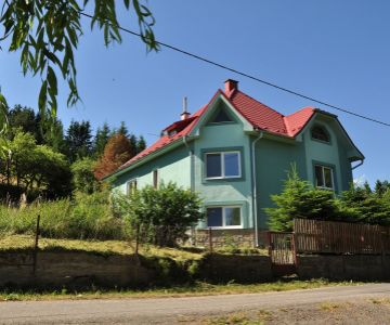 Rodinný dom pod Tatrami s pozemkom 2000 m2, Hybe