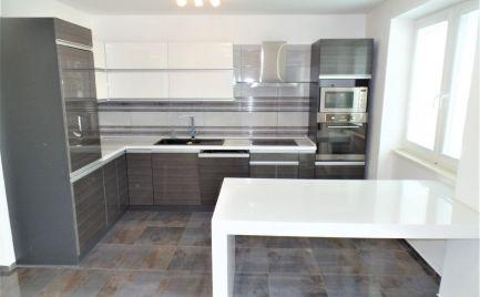 2-izbový byt po luxusnej rekonštrukcii v Senici na predaj