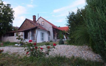 Zrekonštruovaný vidiecky dom v obci Neded