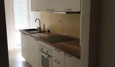 Kompletne zrekonštruovaný 3 izbový byt v dome s vlastnou kotoľňou na Kukučínovej