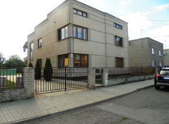 5-i dom, 380 m2,pivnica,POZEMOK 1161 m2,samostatná GARÁŽ, terasa, BALKÓN