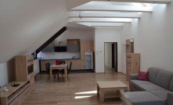 Luxusný byt centrum - prenájom
