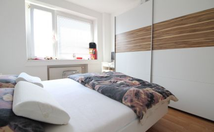 DOM-REALÍT ponúka: na prenájom sympatický, plne zariadený 2i byt, širšie centrum, Záhradnícka ul., BA