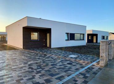 Samostatne stojaci 4-izbový bungalov v tichej lokalite, 6-árový pozemok