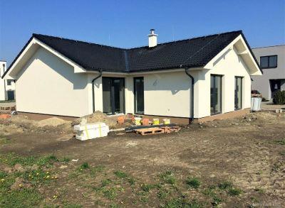 Priestranné 4-izbové bungalovy v peknej lokalite Alžbetinho Dvora s možnosťou výberu dispozície pozemku
