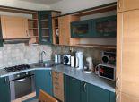 Ponúkame Vám na predaj  3 izbový byt po čiastočnej rekonštrukcii na ulici. Jána Stanislava, BA IV - Karlova Ves, časť Dlhé diely