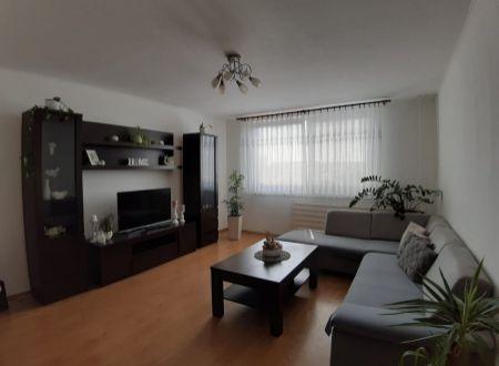 Predaj 3 izbového bytu Nové Zámky - blízko centra !!!