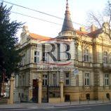 Uzavretý admin. celok v krásnej historickej budove, 139 m2, 2 parkovacie miesta
