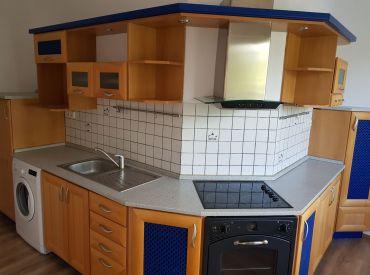 2 izbový byt s 2 balkónmi - Dubnica nad Váhom, Centrum I.