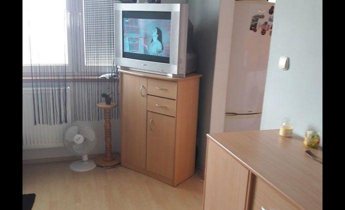 Pekný 1izb. byt po rekonštrukcii, ÚP 34,19 m2 v Trnave na ul. Generála Goliána