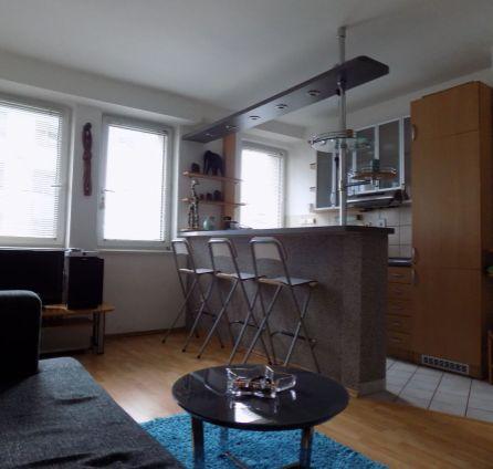 STARBROKERS - Prenájom  klimatizovaného, kompletne zariadeného 3 izb. bytu v centre mesta, ul. Suché mýto - Veterná ul., BA I