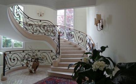 3 - izbový luxusný zariadený byt  195 m2 v exkluzívnom bytovom dome v Horskom Parku