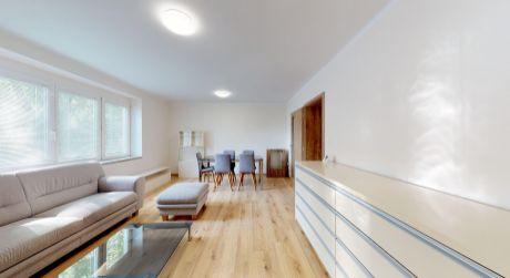 Priestranný 3 izbový byt,76 m2, kompletná rekonštrukcia, Piešťany Vajanského ul.