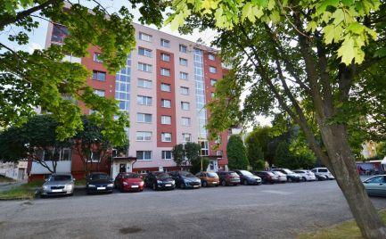 REZERVOVANÉ -  3 IZB.BYT, sídl.SEKČOV, ul.L.Novomeského, 66 m2, LOGGIA, 7 posch./7, čiastočná REKONŠTRUKCIA
