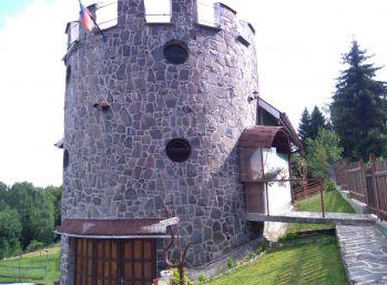 Chata - Zámoček Látky - Polianky