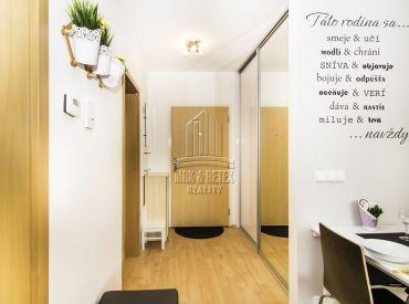 Kompletne zariadený útulný 2 izbový byt na prenájom na ulici Budatínska v novostavbe