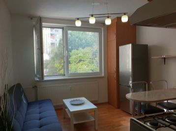 PRENAJATÝ zrekonštruovaný a zariadený 1.izb bytu v Nitre na Čajkovského ul