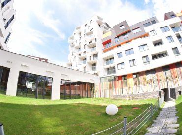 Na predaj krásny 3-izbový byt s lodžiou, 79 m², klimatizovaný, Polianky, novostavba Čerešne living, Dúbravka, kúpou voľný